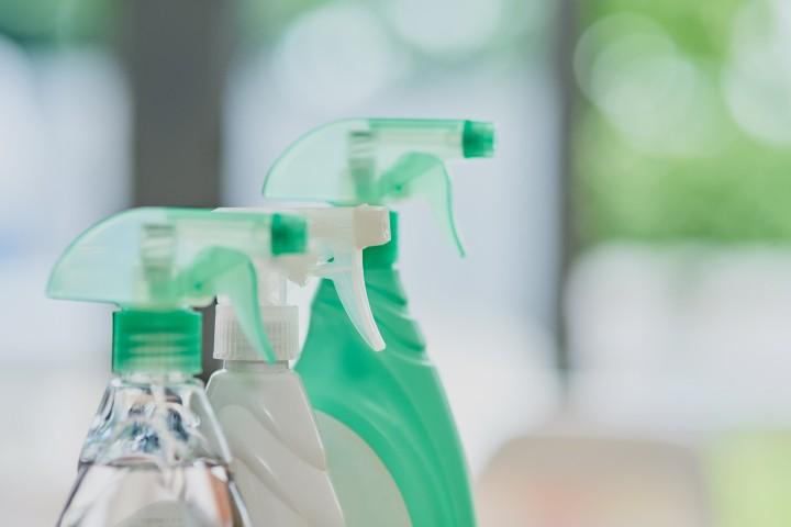 Detergentes, lavagem de louça, limpeza de edifícios